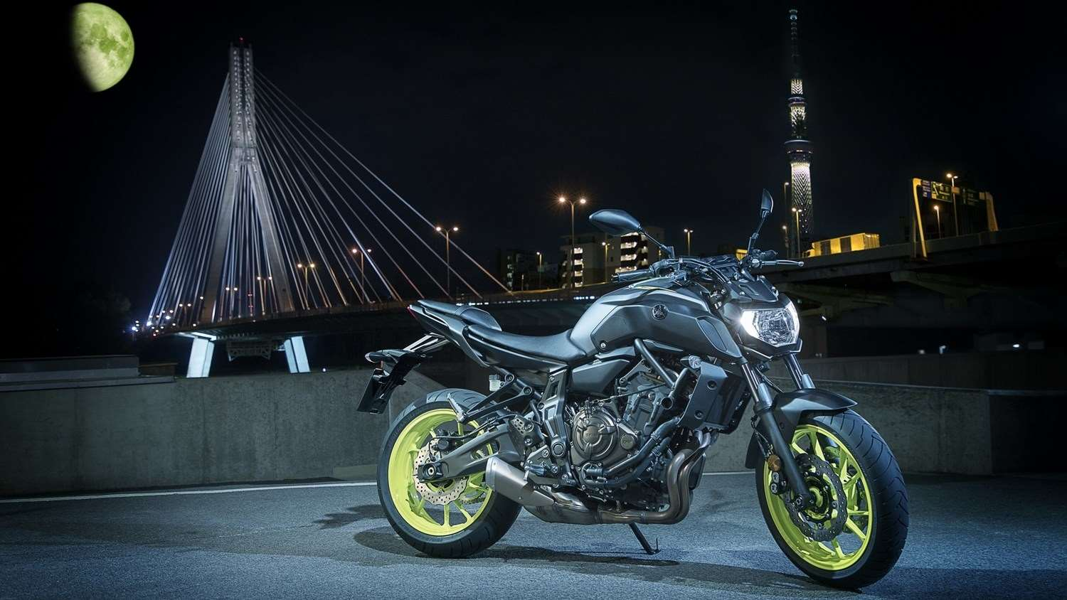 2018-yamaha-mt-07-eu-night-fluo-static-003_13034